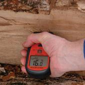 a moisture meter to measure in firewood