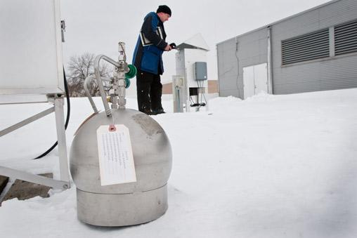 Air sampling canister on snow at Harding HS station