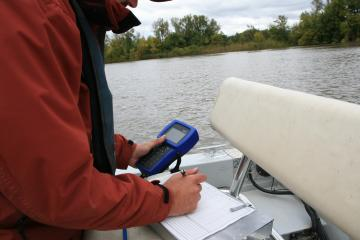 Handheld device collecting information from the Sonde