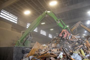 Material handler at Broadway Resource Recovery